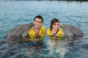 Делфините са приятели с хората
